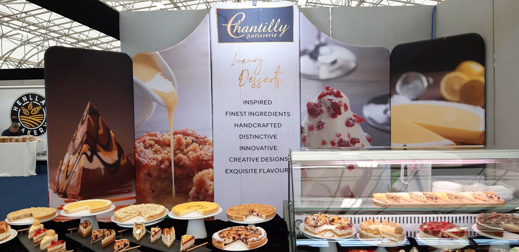 chantilly-patisserie-display-signage-3